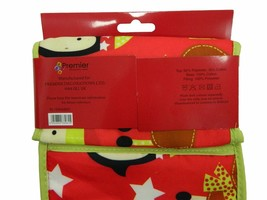 Christmas Kitchen Set: Oven Gloves, Towel and Apron - $16.41