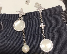 BNIB AUTHENTIC APM MONACO Asymmetric Eternelle Dropping Earrings With Pearl  image 9
