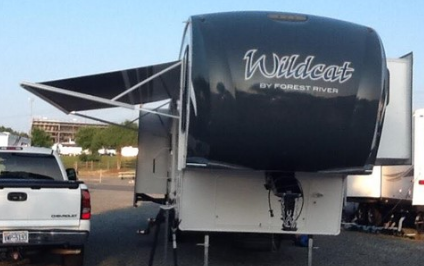 2014 FOREST RIVER WILDCAT 317RL 5TH WHEEL FOR SALE IN Fuquay-Varina, NC