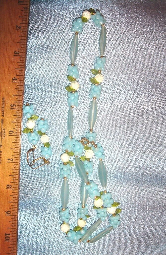 VTG ART DECO BLUE LUCITE FLORAL FLOWER FAUX PEARL NECKLACE LEVERBACK EARRING SET