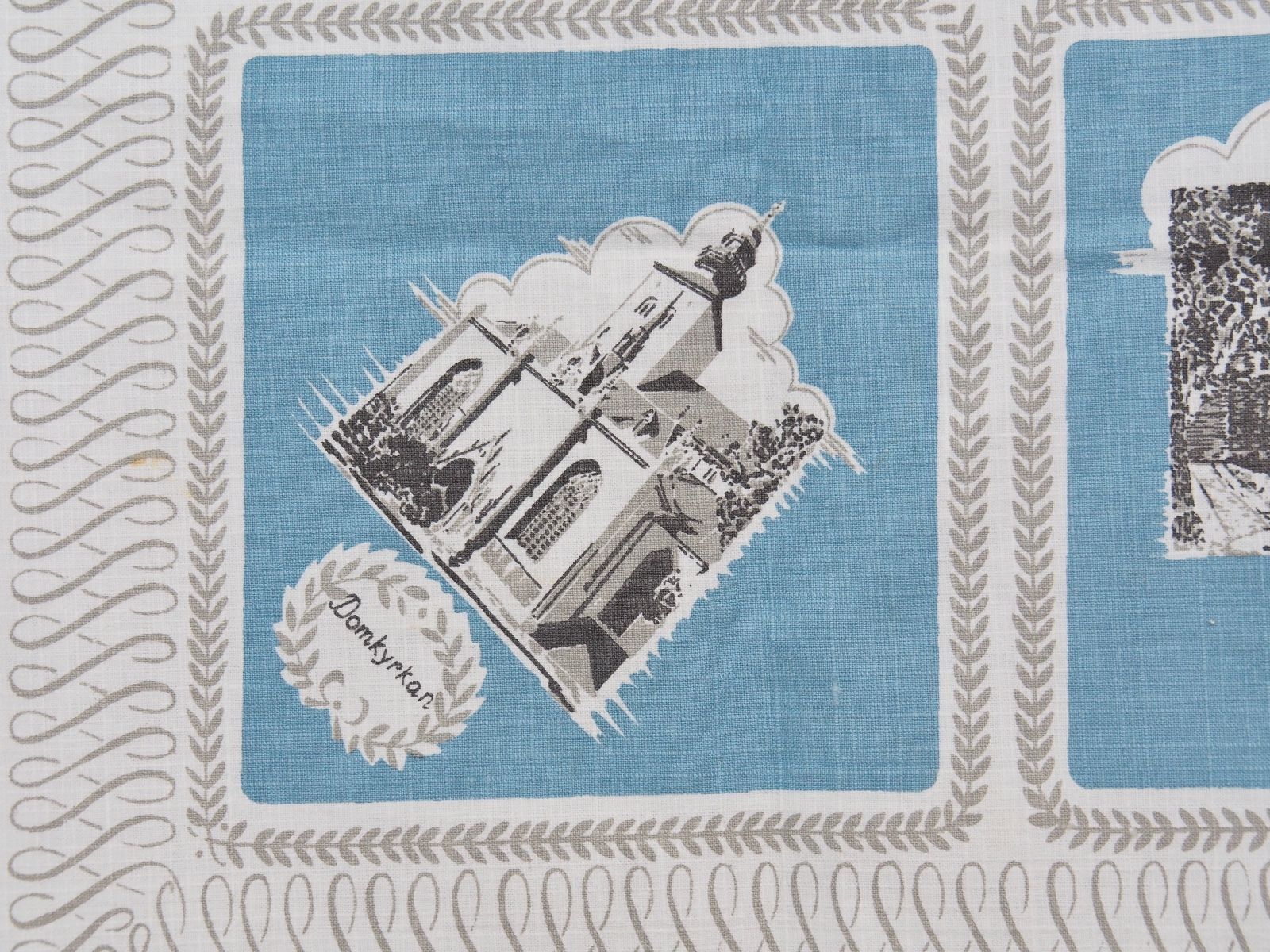 "VINTAGE SWEDISH BARKCLOTH COTTON TABLECLOTH 34"" SQUARE image 3"