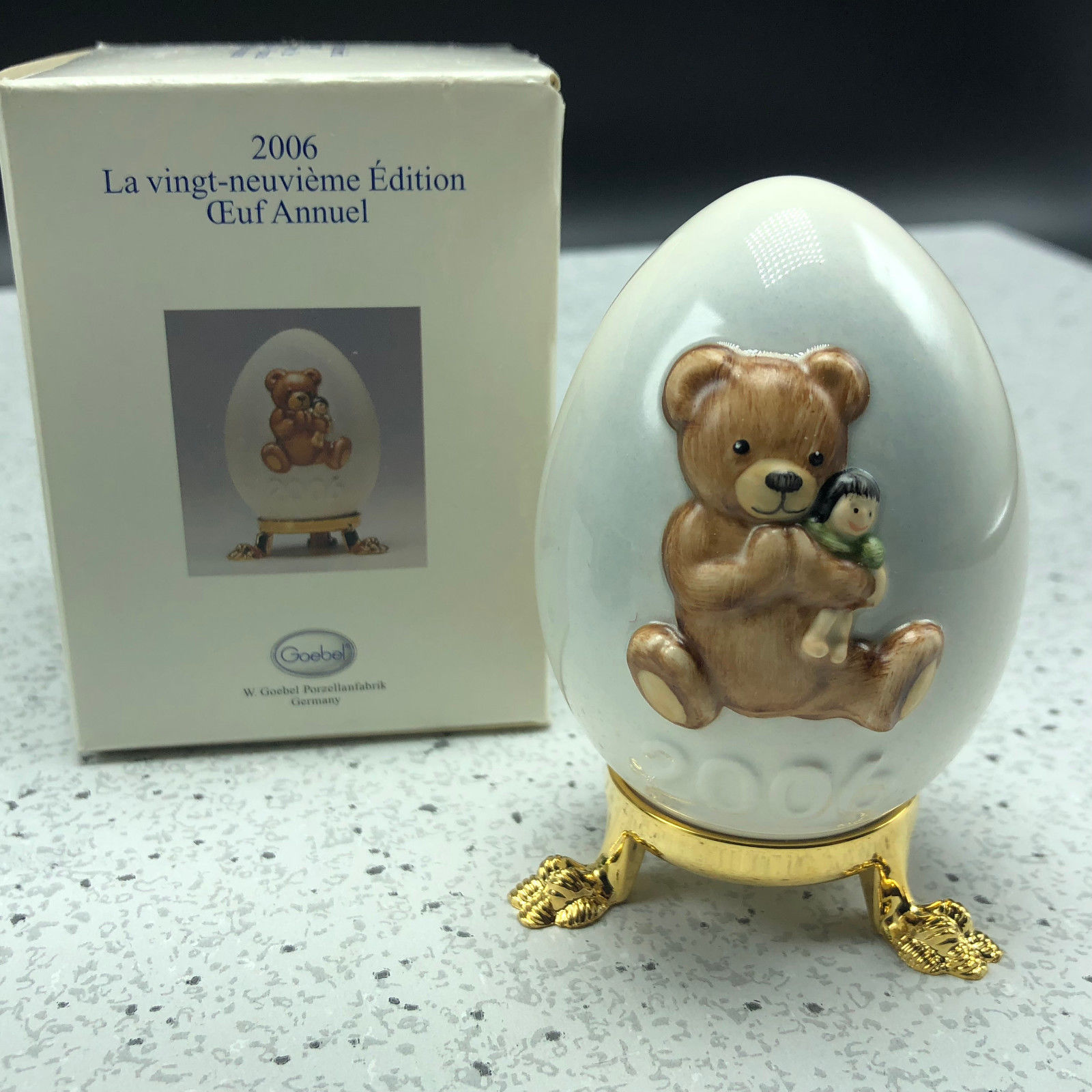 2006 GOEBEL ANNUAL EASTER EGG West Germany 29th edition figurine teddy bear doll