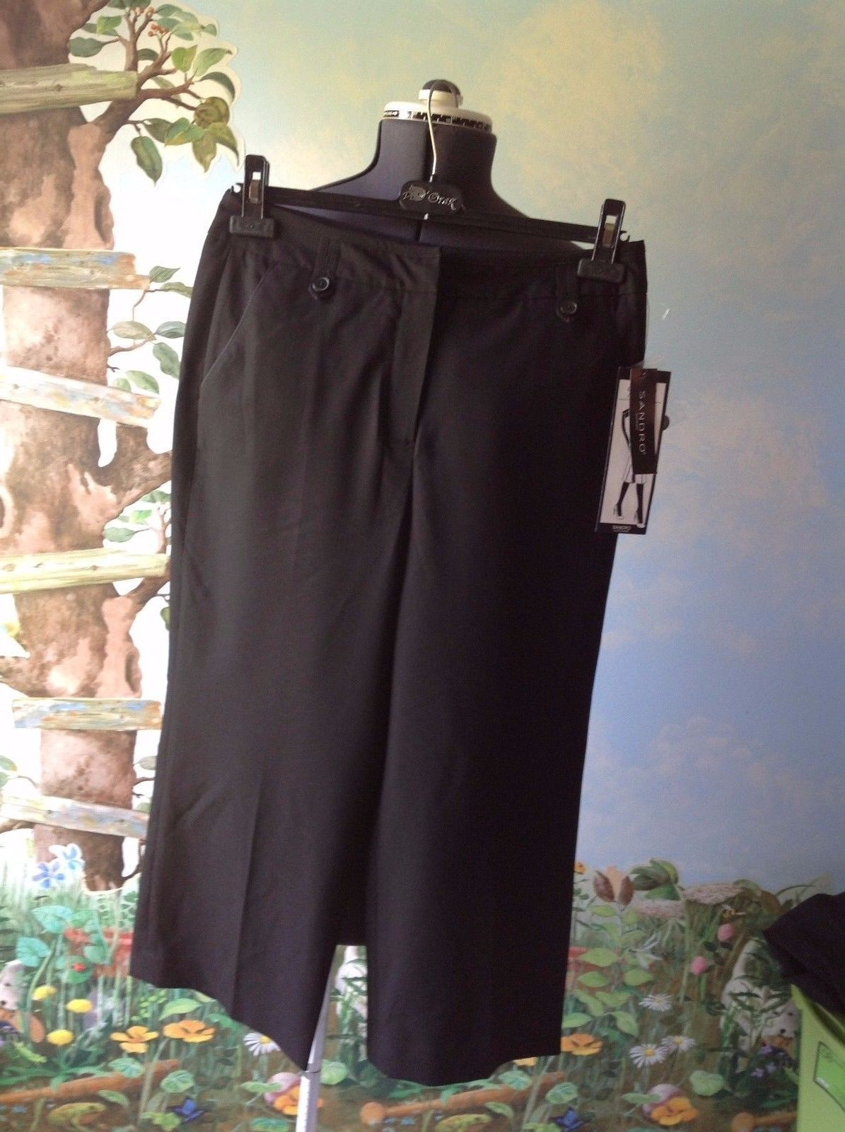 Primary image for Sandro Sportswear Women Black Control Top Crop Pants Size 6 New with Ticket