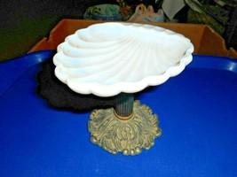 Vintage Hollywood Regency Milk Glass Soap Dish Clam Shell Design Metal P... - $23.75