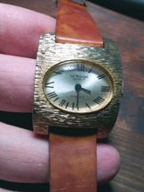 Vintage La Montre Womens Quartz Watch.  image 3