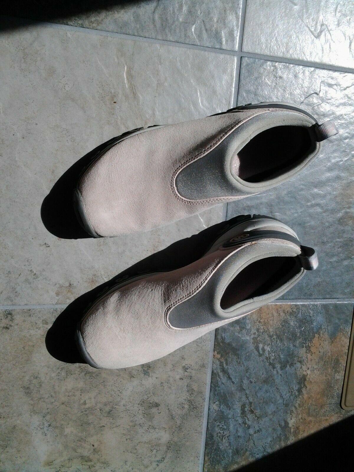 Ladies Pink Hiking Shoe Sz 8.5