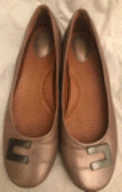 Clarks Artisan Women's 9M Ballet Flats Metallic Leather Champagne - $19.99