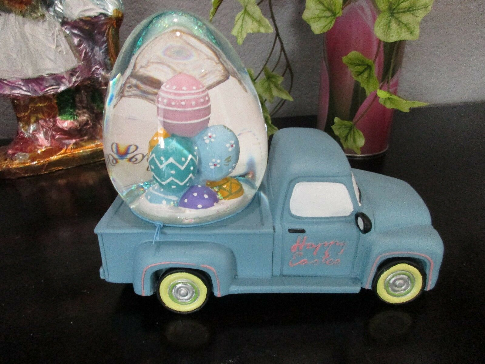Primary image for HIP HOP EASTER  VINTAGE TRUCK WITH EGGS MUSICAL WATER GLOBE TABLETOP DECOR