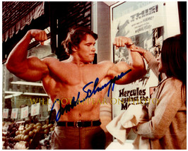 Arnold Schwarzenegger Signed Autographed Photo w/ Certificate Of Authenticity 71 - $125.00