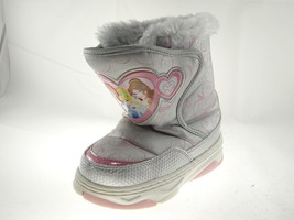 Disney Nala Silver Gray Size 9/10 Girls Princess Winter & Snow Boots - $19.34
