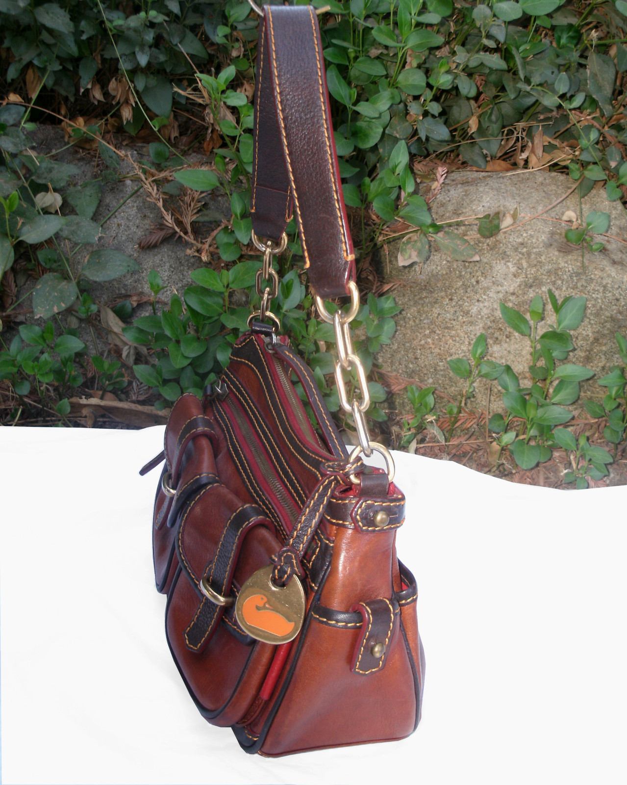 Dooney & Bourke Saddle Tan Brown Red Leather Pocket Hobo Brass Duck Charm DS455 image 4