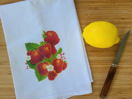 "Vintage Inspired Strawberry Flour Sack Tea Towel 15"" x 25"", Strawberries 1950s"