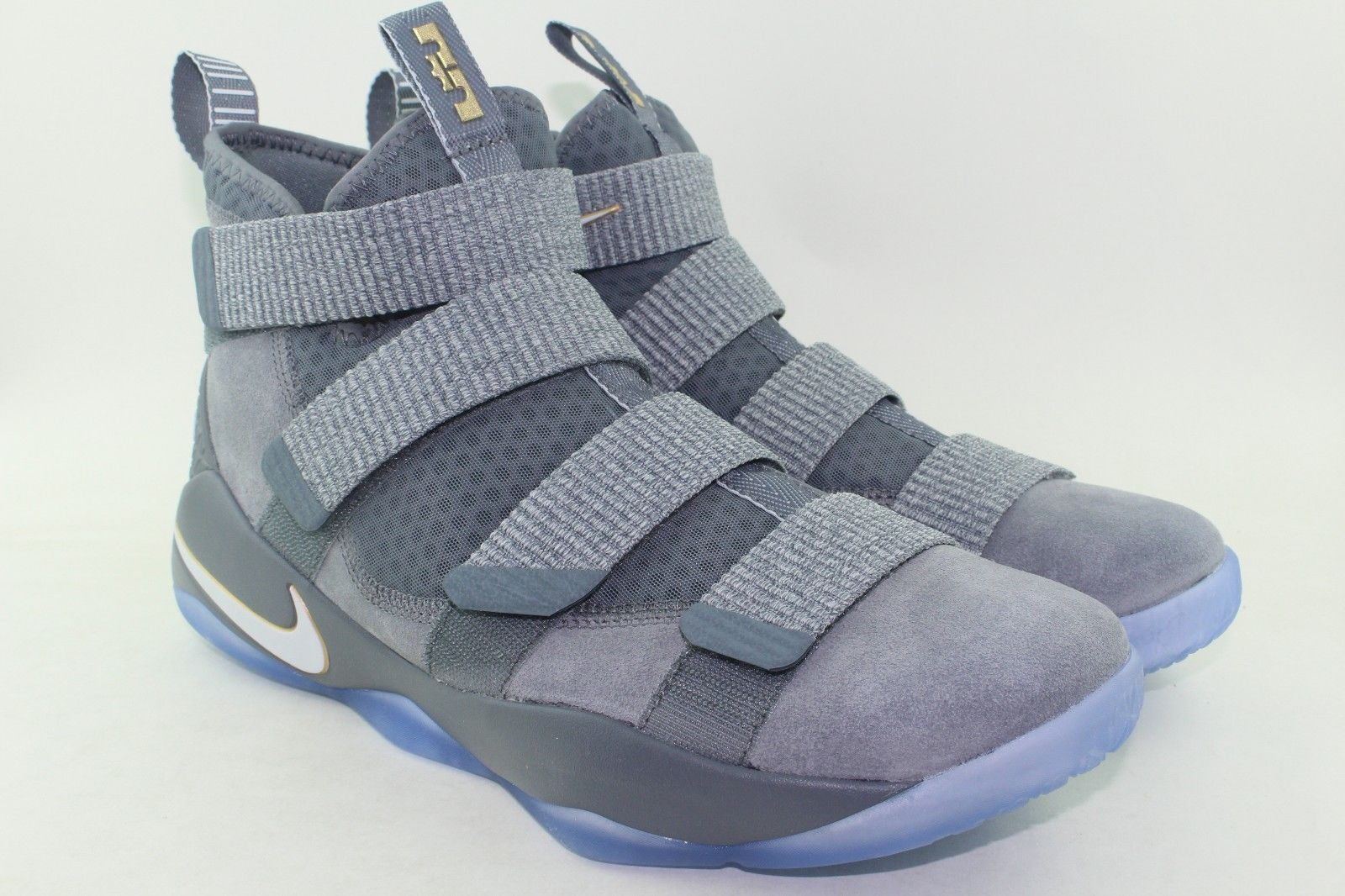 d5f1eb60da02 LEBRON SOLDIER XI 11 MEN SIZE  10.0 COOL GREY NEW RARE PURE PLATINUM  COMFORTABLE