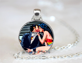 Wonder Woman Romance Kiss Cabochon Necklace >> Combin Shipping  - $5.69