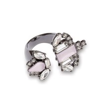 Avon Mark Baroque the Mold Ring Size 6.5 - $14.99