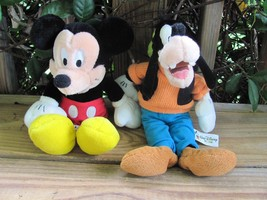 "Walt Disney World~Mickey & Goofy~11"" Plush - $16.44"