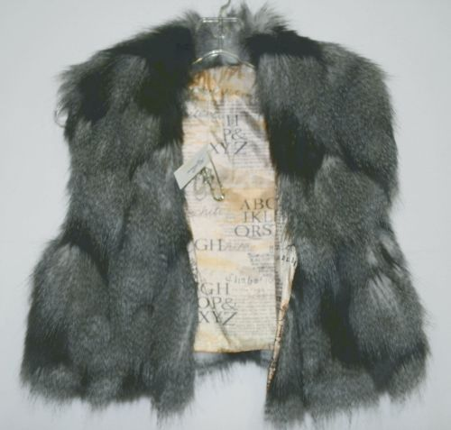 Riflessi WFV11 Black Colored Faux Fur Cropped Vest Safety Pin Brooch