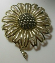 Vintage SARAH COVENTRY Large Gold-tone Textured Filigree Flower Brooch - £13.67 GBP