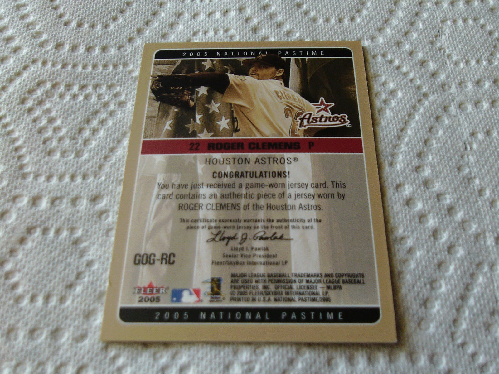 2005   ROGER  CLEMENS  GAME  USED  JERSEY  NATIONAL  PASTIME  FLEER  GOG-RC  !!