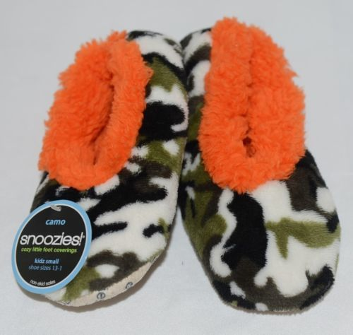 Snoozies KCM007 Foot Coverings Green Camo Orange Size Kids 13 And 1