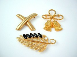 Lot Of 3 Vintage Metal Brooches Bold Mod retro Statement - $9.89