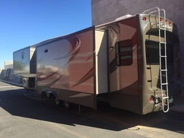 2015 Prime Time Sanibel 3601 Fifth Wheel For Sale In Spicewood RV Park, TX 78669 image 5