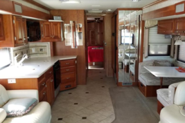 2006 Fleetwood Revolution For Sale in Bath, Pennsylvania 18014 image 4