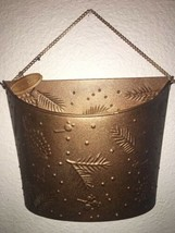 Metal Wall Door Hanging Basket For Holiday And Christmas Cards Mail Gold - $12.86