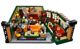 LEGO Ideas 21319 Friends The Television Series Central Perk  image 4