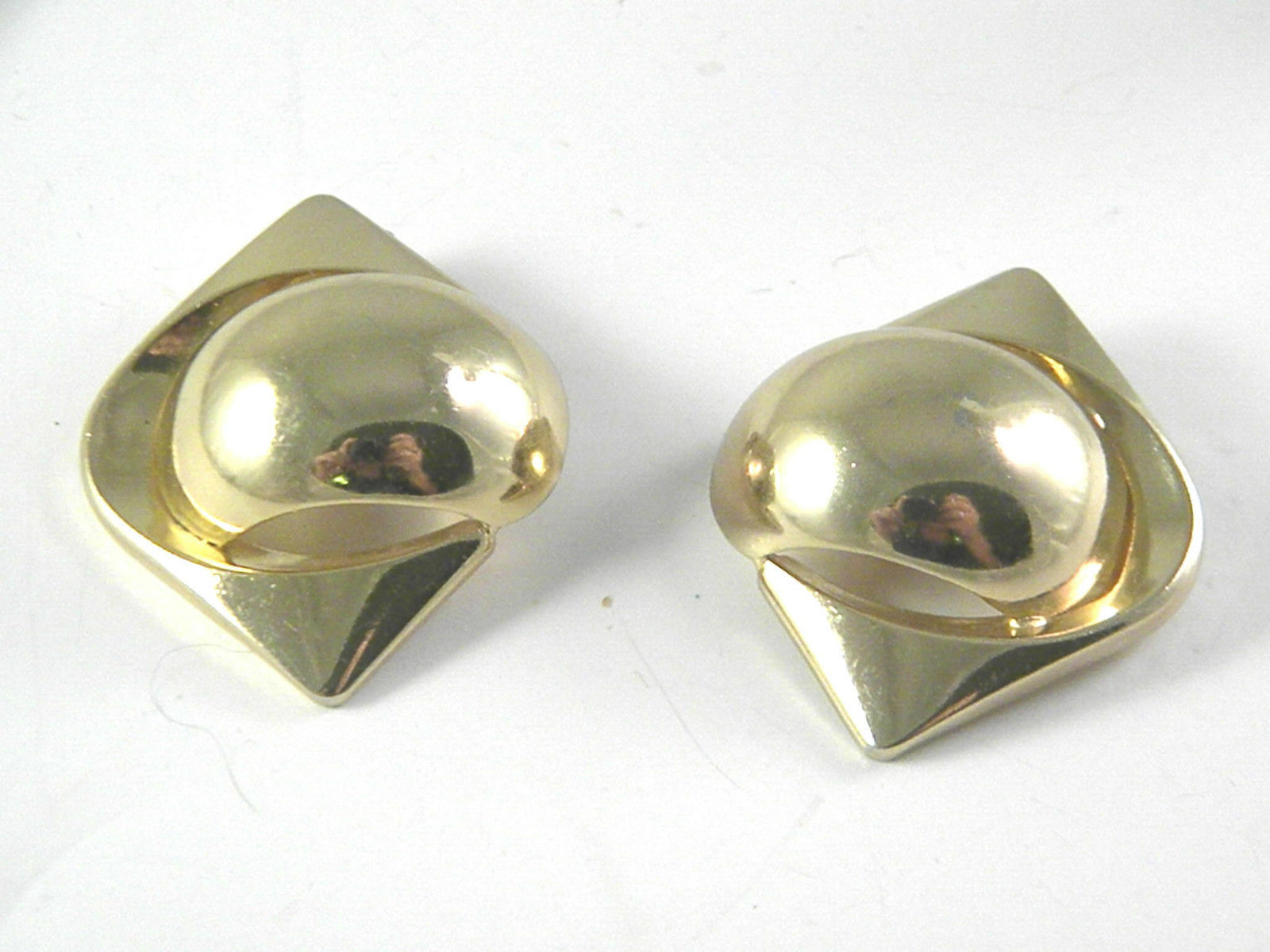 Grosse Germany 1972 Vintage gold tone Earrings