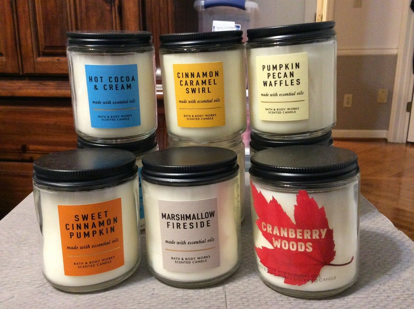 BATH & BODY WORKS CANDLES NEW