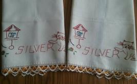 2 UNUSED VINTAGE COTTON KITCHEN DISPLAY TOWELS ~ SIDE STRIPES ~ HAND EMB... - $8.90