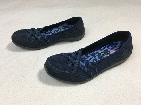 NEW Skechers Womens 6 Dreamchaser Sunny Day Navy Blue Memory Foam Shoes