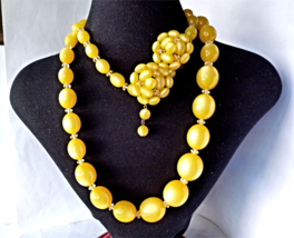 Vintage Lucite Yellow Moonglow Long Chunky Necklace and Clip Earrings - $36.00