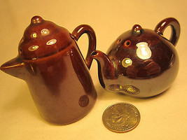 Vintage Ceramic Salt & Pepper Shaker Set Coffee Pot Tea Pot Pitcher [Z230n] - $5.76