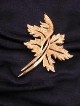 Vintage Trifari Goldtone Leaf Pin Brooch - $27.93