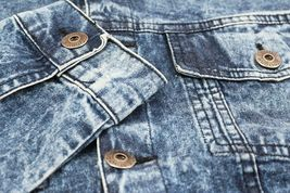 Men's Classic Distressed Casual Button Up Stretch Jean Trucker Denim Jacket image 13