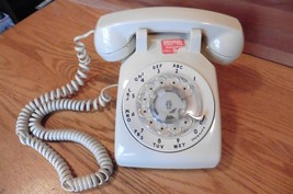 Western Electric phone Bell System desk telephone rotary 500DM Ivory col... - $29.70