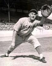 FRANK McCORMICK 8X10 PHOTO CINCINNATI REDS BASEBALL PICTURE MLB - $3.95