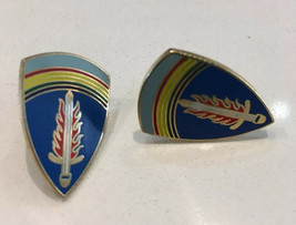 Post WWII U.S. Army in Europe Pair of DUI Pin Clutch Back Germany - $9.49