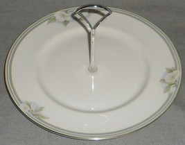 1986 Royal Doulton CONTENTMENT PATTERN Vogue Collection HANDLED CAKE PLATE - $18.21