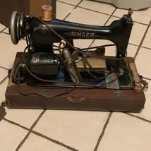 Vintage Antique Singer Sewing Machine 742 965 W 115 V With Case - $792.23 CAD