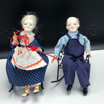 VINTAGE SHACKMAN PORCELAIN DOLLS figurines old people chair sewing knit ... - $32.90
