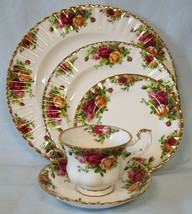 Royal Albert Old Country Roses 5 Piece Place Setting England - $60.28