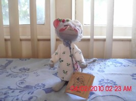 Excellent Used Annalee Female Mouse Wearing Her Bedtime Clothes - 1991 Tags - $9.79