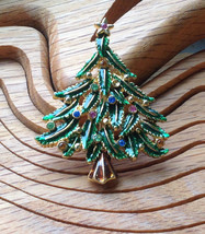 VINTAGE GOLD TONE CHRISTMAS TREE BROOCH PIN WITH MULTICOLORED RHINESTONES - $13.91