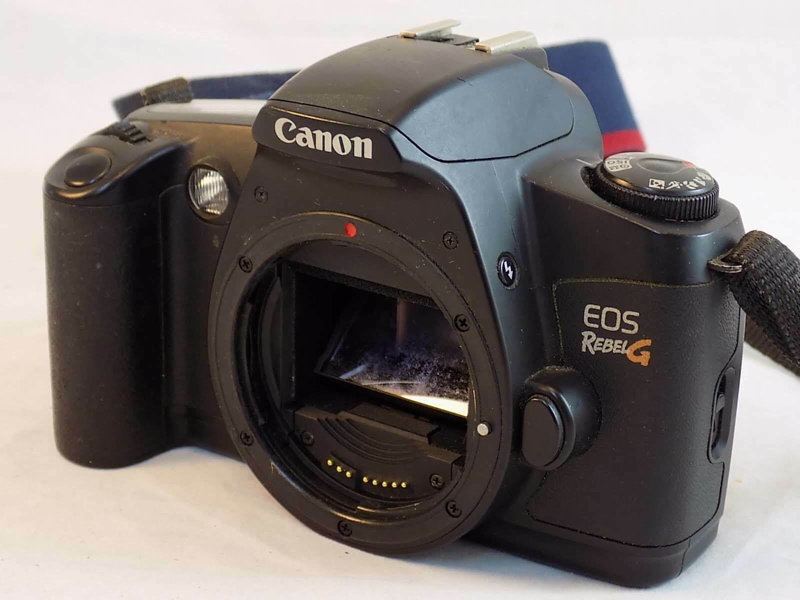 CANON EOS G CAMERA For Parts or Repair 35mm SLR Camer Body