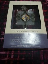 2002 Hallmark Keepsake The Family Tree Joy Smiles Fun Photo Holder Ornament - $6.92