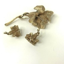 Vintage Coro Signed Gold Tone Flower Brooch Pin and Clip On Earring Set ... - $27.71