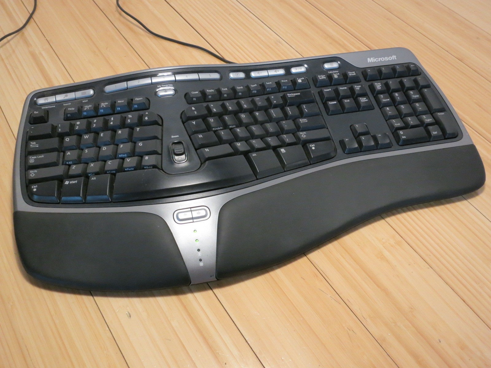 Microsoft Wired Natural Ergonomic 4000 V1.0 and 50 similar items